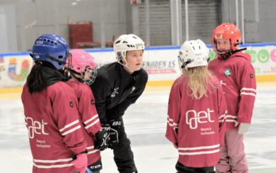 Lørdag 21. november kl 11.00–12-00 er det jentehockeytrening.